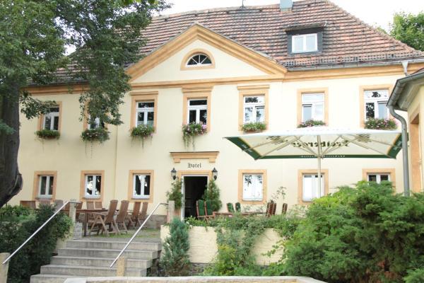 Panoramahotel Zum Pfeiffer, Pension in Radebeul bei Radeburg
