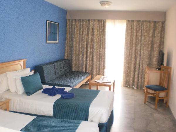 Apartamentos Marola-Portosin