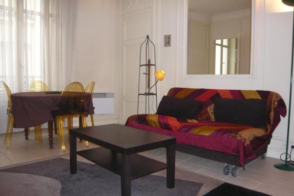 Parisian Home - Appartements Grand Boulevards, Musée Grevin