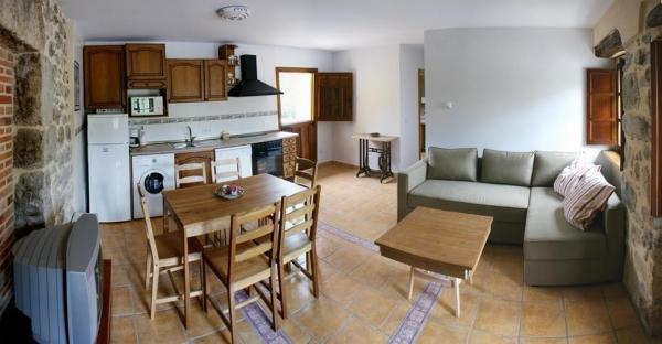El Pontarron Apartamentos