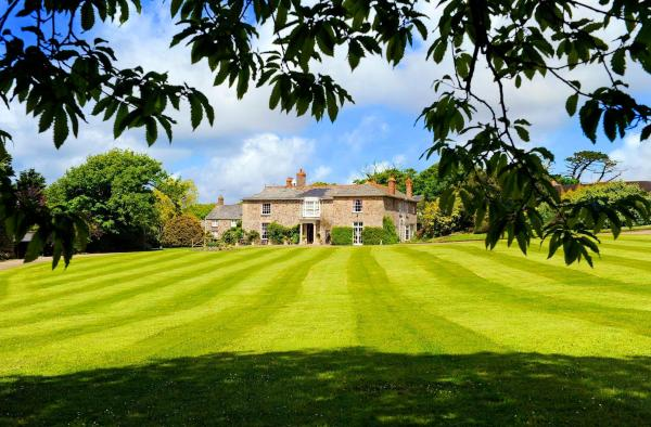 Broomhill Manor Holiday Cottages in Bude, Cornwall, England