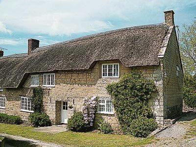 Upton Manor Cottage in Bridport, Dorset, England