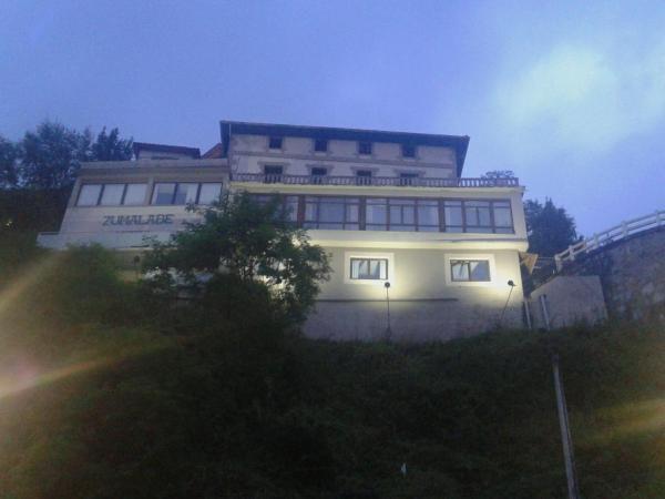 Hotel Zumalabe