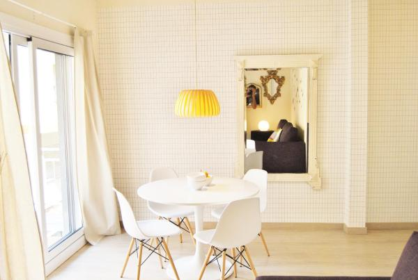 Mirrors of Mozart Apartment