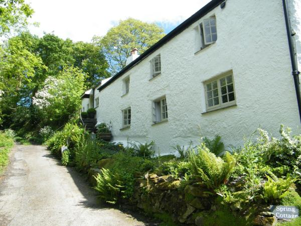 Spring Cottage B&B in Probus, Cornwall, England