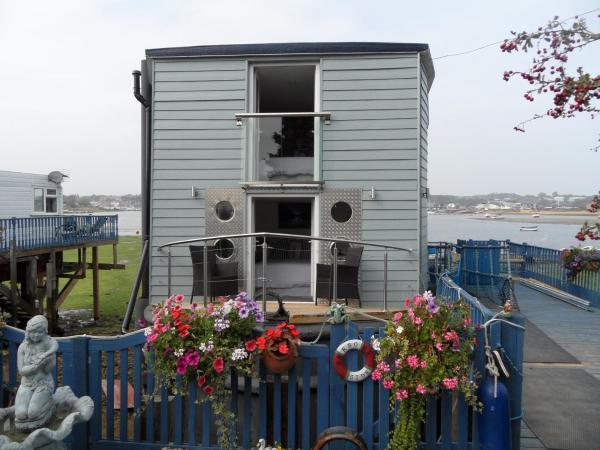 Houseboat Harbourside View in Bembridge, Isle of Wight, England