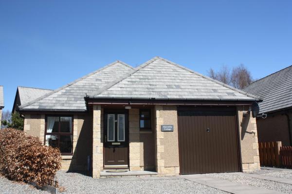 Carn Mor Cottage in Aviemore, Highland, Scotland