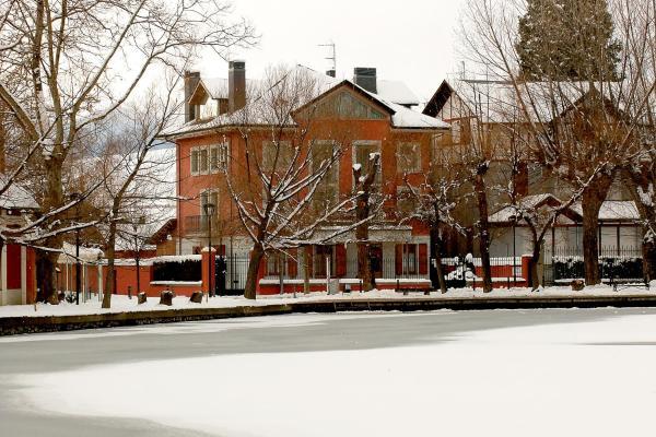 Apartamentos la Torreta del Llac