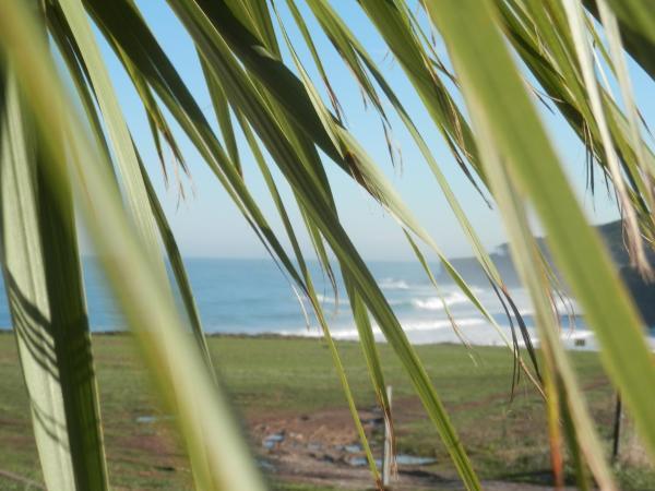 H.A.N.D Surf Hostel