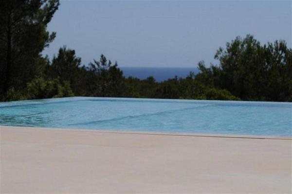 Villa in Cala Jondal I