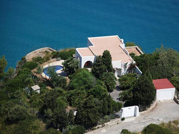 Villa in Cala San Vicente IV