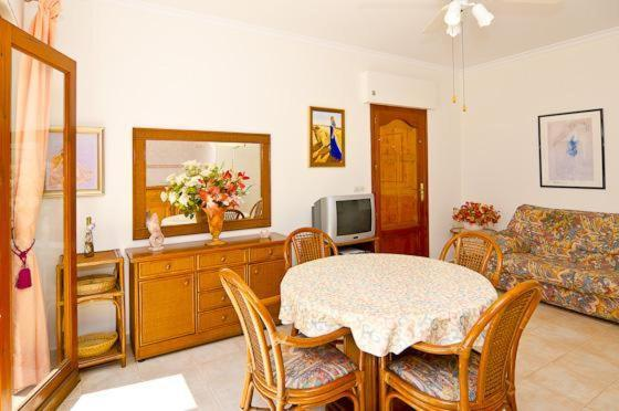 Apartment with views, pool in Benissa