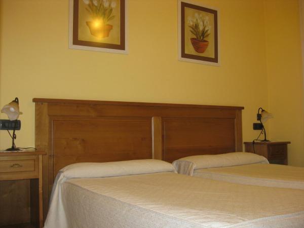 Hotel Pontes De Gatin