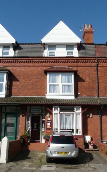 Melbourne Guest House in Rhyl, Denbighshire, Wales