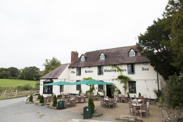 Hadley Bowling Green Inn in Droitwich, Worcestershire, England