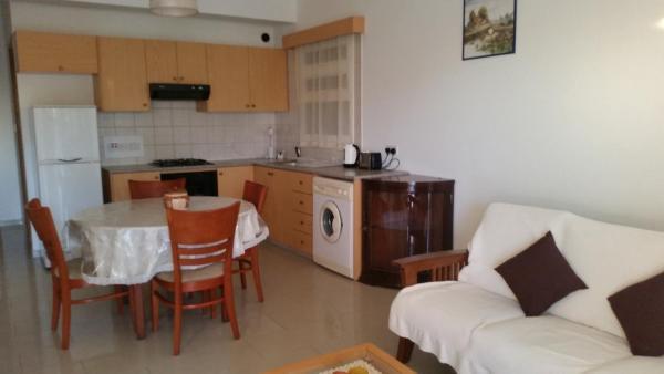Pari Holiday Apartments