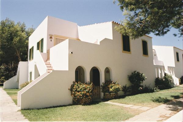 Apartamentos Las Brisas I & II