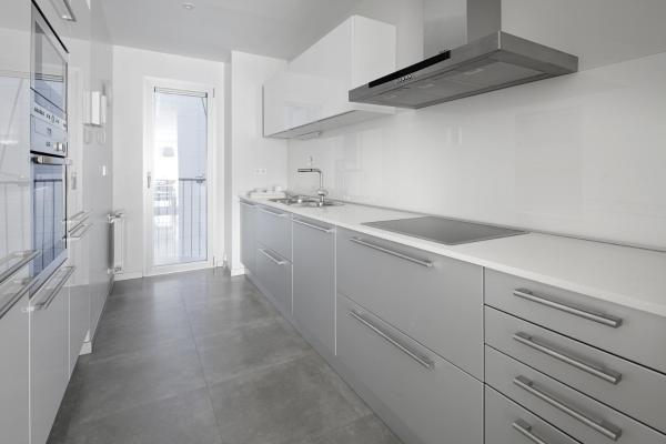 Black & White 4 Apartment by FeelFree Rentals