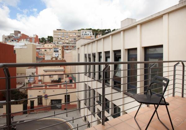 Guell Modern Apartment