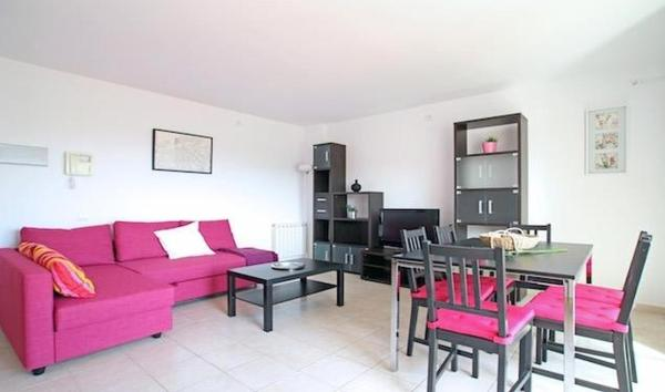 Apartment Carrer Tarongers by HelloApartments