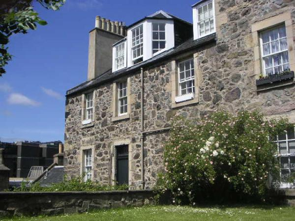 Calton Hill Apartment in Edinburgh, Midlothian, Scotland