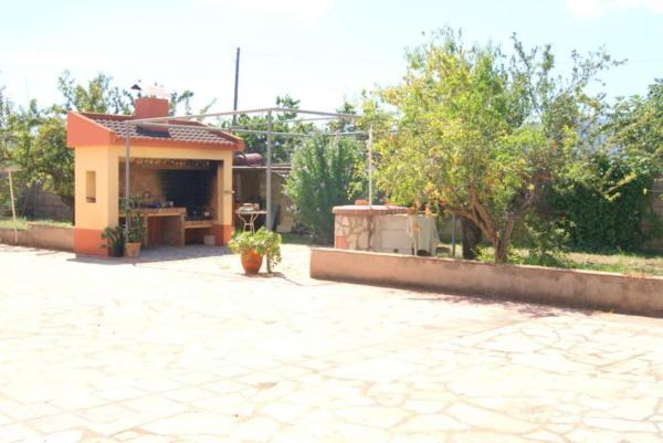 Apartment near the beach, with garden, in Denia