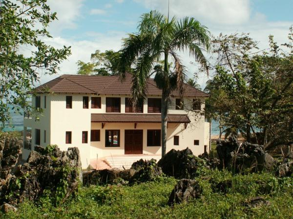 Beachfront Villa Bahia Rincon