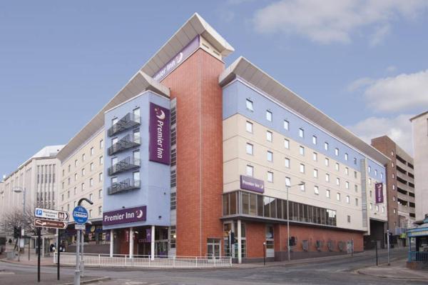 Premier Inn Sheffield City Centre - Angel St