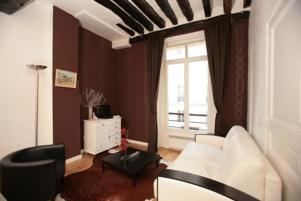 Marais One-bedroom Apartment (303)