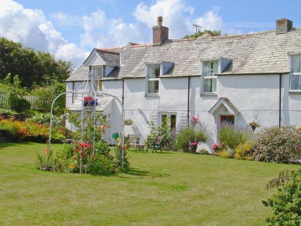 Atlantic Cottage in Tintagel, Cornwall, England