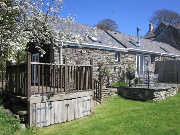 Mount House Barn in Newcastle Emlyn, Ceredigion, Wales