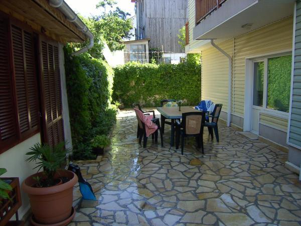Guesthouse Kachika: Настаняване в къщи за гости Царево – Pensionhotel