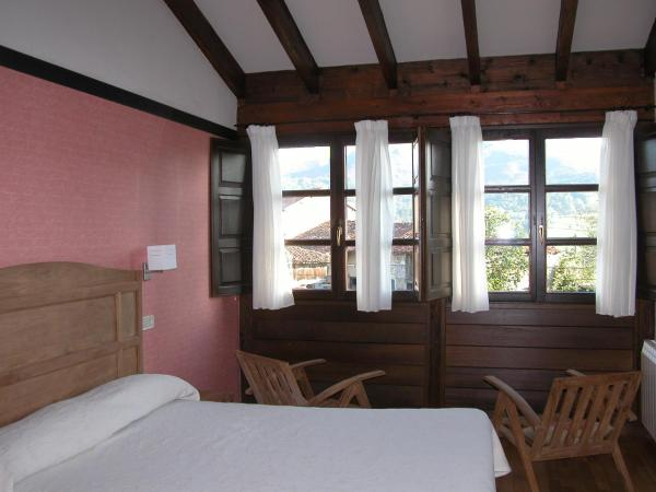 Casa Rural La Coviella del Sidron