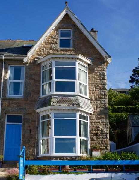 Harbour View Apartment in St Ives, Cornwall, England