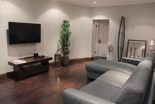 Paddington Patio Apartment in London, Greater London, England