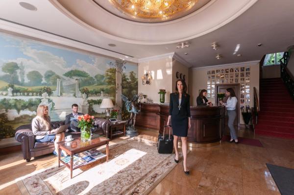 hotel włoski poznań