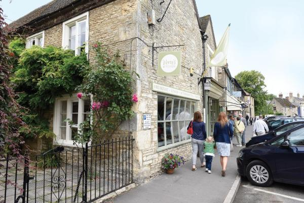 Vera's Kitchen B&B in Lechlade, Gloucestershire, England