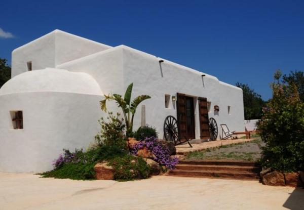 Seven-Bedroom Holiday Home in Santa Eulalia del Río with Pool