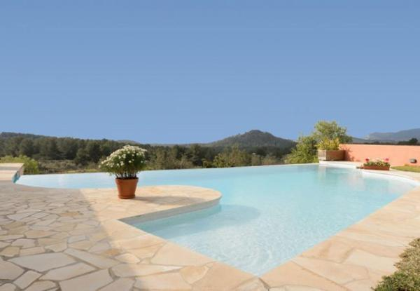 Four-Bedroom Villa in Sant Josep de Sa Talaia / San Jose with Terrace