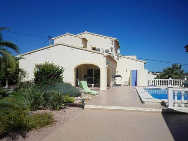Almendros House