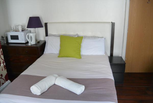 Stay in Vauxhall Guesthouse in London, Greater London, England
