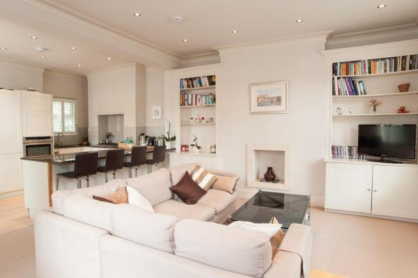 Two Bedroom House in Chelsea in London, Greater London, England