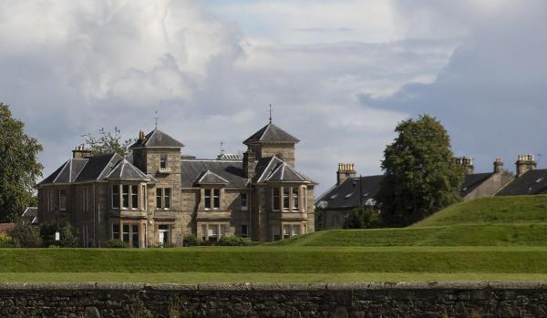 Royal Gardens Apartments in Stirling, Stirlingshire, Scotland