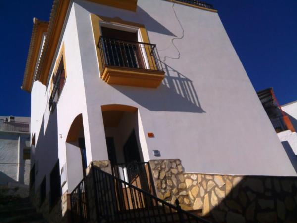 Casa Del Aguila Bajo