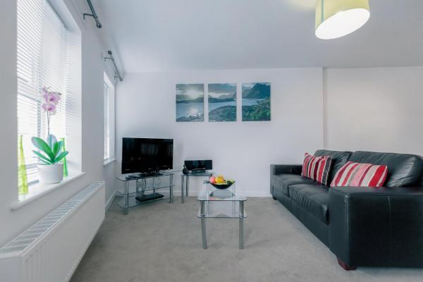 Roomspace Serviced Apartments - Jubilee Court in Horley, Surrey, England
