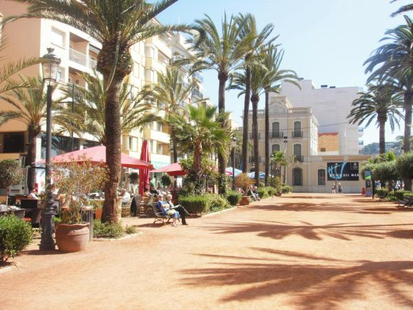 Ana I Beach-City