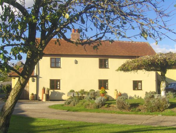 Box Bush Bed & Breakfast and Holiday Cottage in Brockley Green, Suffolk, England