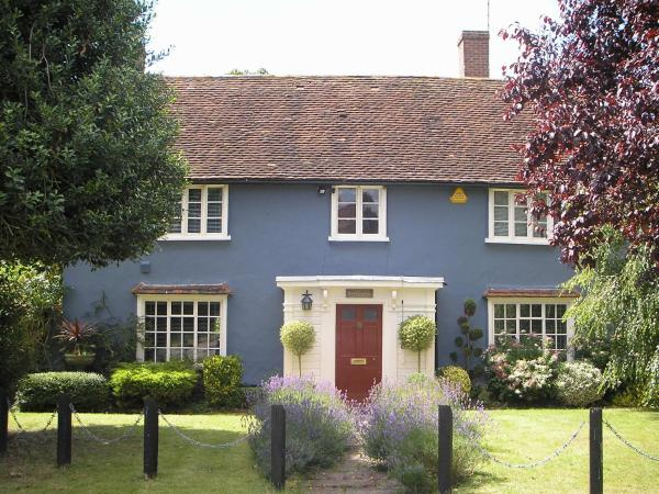 Bonningtons Stansted B&B_1