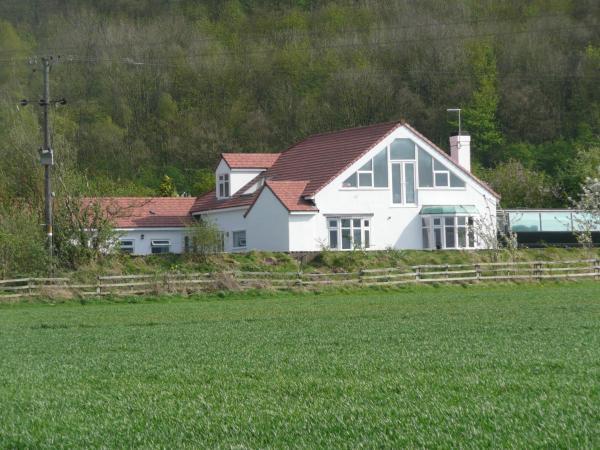 Hillside Cottage in Thrumpton, Nottinghamshire, England