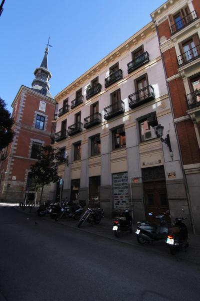Silver Madrid Apartments